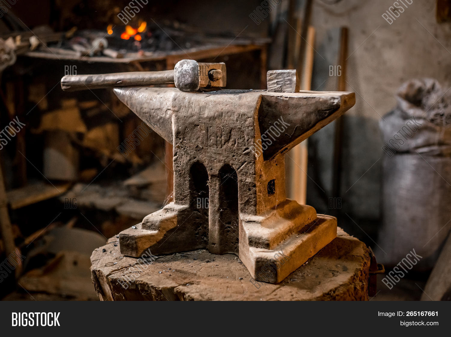 Old Blacksmiths Hammer Image & Photo (Free Trial) | Bigstock