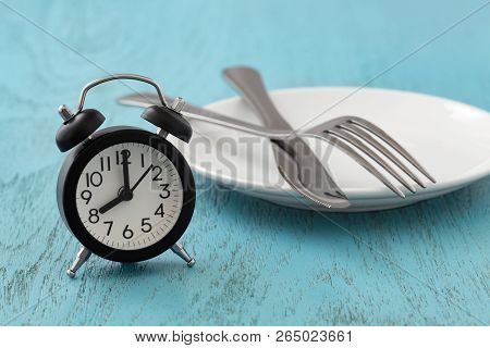 Intermittent Fasting, Diet, Weight Loss Concept