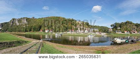 Rathen, Germany - October 04, 2018: The River Elbe At Rathen In The Elbe Sandstone Mountains With To