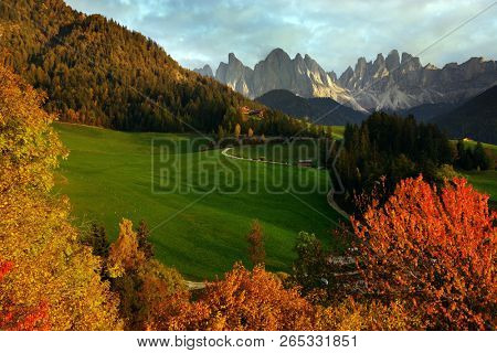 Odle Dolomites Group on Val di Funes, Trentino Alto Adige, Italy, Europe.