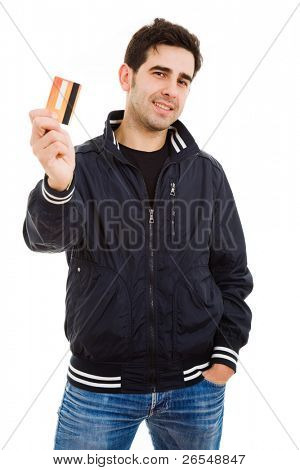 Szczęśliwy młody człowiek posiadający karty kredytowej, na białym tle