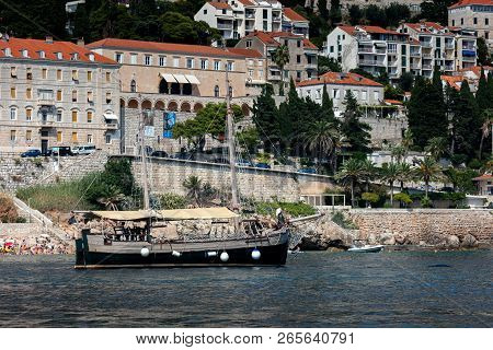 Dubrovnik, Croatia, July 29, 2018: Sv. Ivan In Dubrovnik Harbor. This Is One Of The Oldest Ship In T