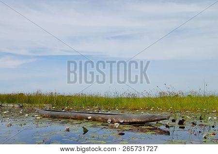 Makoro Boat - Okavango Delta - Botswana