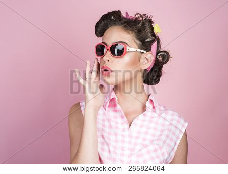 Retro Woman With Fashion Makeup. Vintage Housewife Woman Make Hairstyle. Happy Girl In Summer Glasse