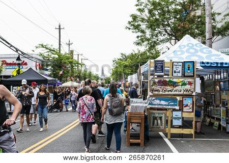 Bay Shore, New York, Usa - 10 June 2018: Vendors Selling Artwork And Goods, With People Strolling On