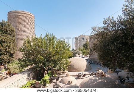 31-03-2020.baku.azerbaijan.cafe In The Old City Behind The Maiden Tower In Baku