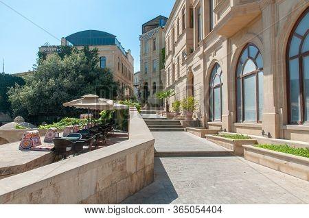 31-03-2020.baku.azerbaijan.restaurants, Hotels, Cafes On The Street Of The Old City Of Baku