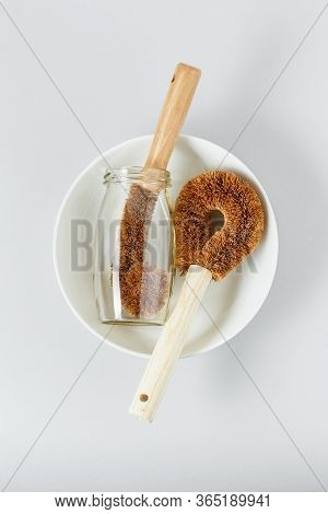 Clean Dishes And Washing Coconut Bristle Brush