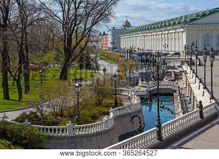 Russia, Moscow, May 2020.  Alexander Garden, Manege Square Without People. Empty Streets Of The City