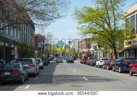Chelsea, Ma, Usa - May 9, 2019: Historic Commercial Buildings On Broadway Between 4th And 5th Street