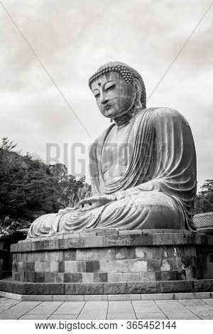 Great Buddha - Daibatsu -statue In Kamakura