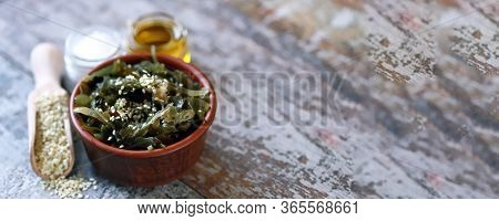Selective Focus. Sea Kale In A Bowl. Healthy Food. Vegan Food. Sea Kale With Sesame Seeds.