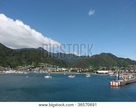 Picton's Harbor