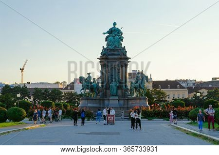 Vienna, Austria - September 17, 2018: Unknown Tourists Are At Monument To Empress Of Holy Roman Empi
