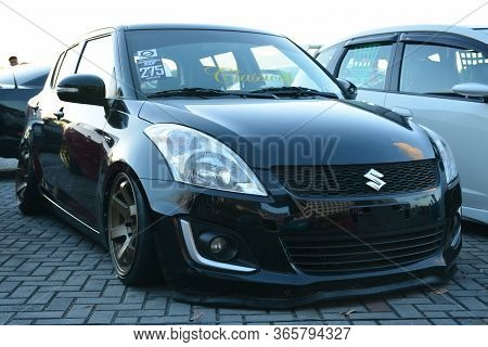Pasay, Ph - Dec 8 - Suzuki Swift At Bumper To Bumper Car Show On December 8, 2018 In Pasay, Philippi