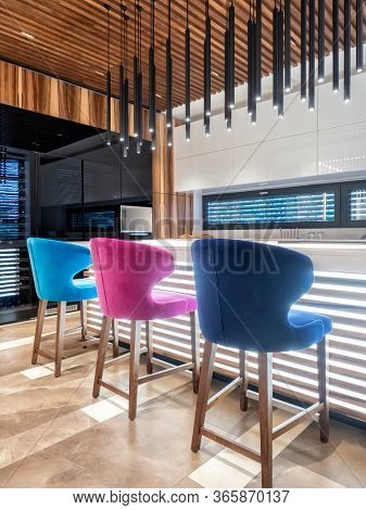 Kitchen modern design with custom made elements