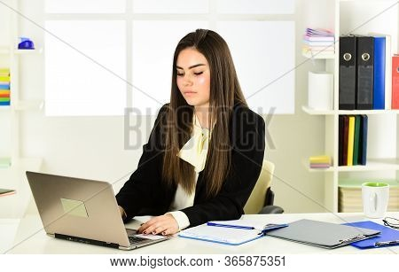 Online Banking. Pretty Woman Notary At Work Laptop. Bank Worker. Business Challenges. Licensed Notar