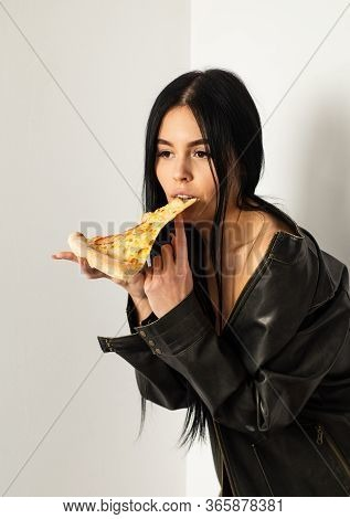 Fast Food. Diet And Healthy Body. Sexual Appetite. Sexy Girl Eating Pizza. Pizza Delivery. Restauran