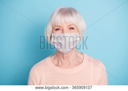Closeup Portrait Of Nice-looking Attractive Groomed Confident Cheery Healthy Gray Haired Lady Wear S