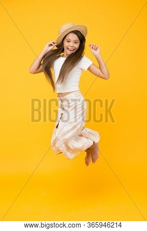 Freedom. Enjoy Beach Life. Kid Summer Fashion. Small Beauty Jump In Straw Hat. Happy Childhood. Fina