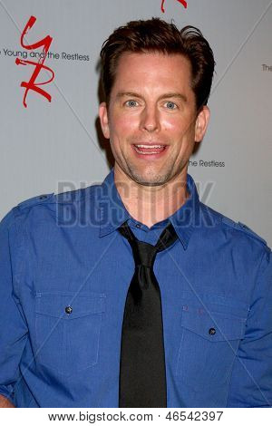 LOS ANGELES - JUN 4:  Michael Muhney, Sharon Case arrives at SAG-AFTRA Panel Discussion With The Cast Of