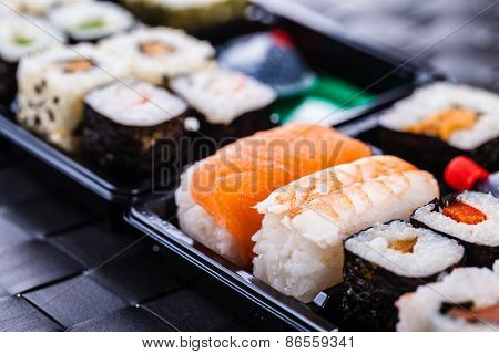 Traditional Bento Sushi Box