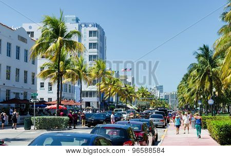 Rush hours traffic along ocean dr. street in south Miami
