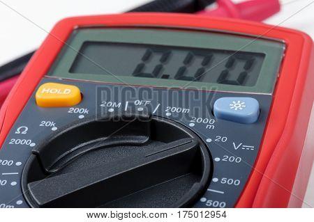 Operating Digital Multimeter