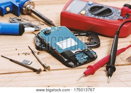Repairing The Mobile Phone