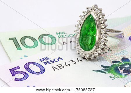 Colombian Emerald Ring and 2016 issued bills
