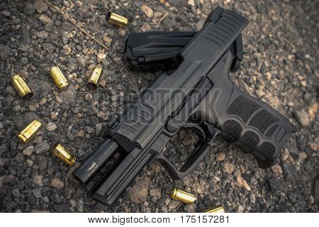 pistol 9 mm loadout and bullet shell