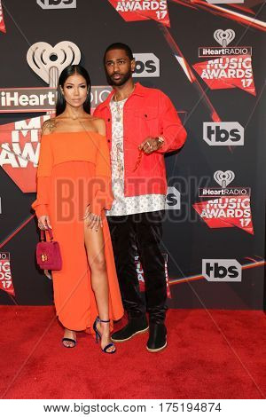 LOS ANGELES - MAR 5:  Jhene Aiko, BIg Sean at the 2017 iHeart Music Awards at Forum on March 5, 2017 in Los Angeles, CA