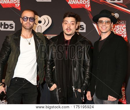 LOS ANGELES - MAR 5:  Joey Lawrence, Andrew Lawrence, Matthew Lawrence at the 2017 iHeart Music Awards at Forum on March 5, 2017 in Los Angeles, CA