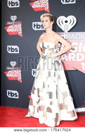 LOS ANGELES - MAR 5:  Katy Perry at the 2017 iHeart Music Awards at Forum on March 5, 2017 in Los Angeles, CA