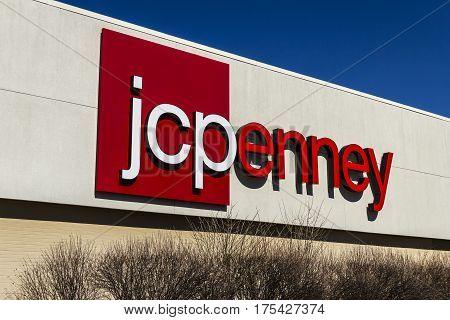 Muncie - Circa March 2017: JC Penney Retail Mall Location. JCP is an Apparel and Home Furnishing Retailer VIII