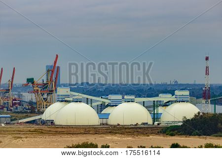 Fertilizer terminal with saltpeter in Riga Latvia