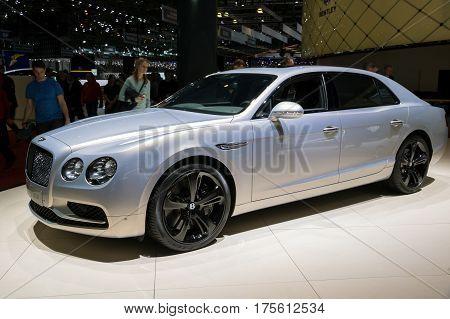 2017 Bentley Flying Spur Car