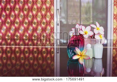 Perfume Parfume With Small Or Mini Shower Bath Set Or Shampoo And Flower