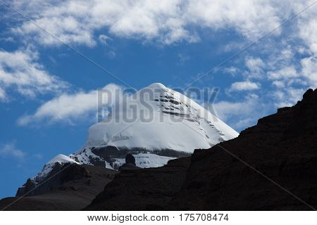 Kailash Yatra travel to TIBET China Kailas - the holiest mountain of Tibet. Object of pilgrimage of buddhist, hindu, jains and adepts of bon religion. Home of the Lord Shiva.