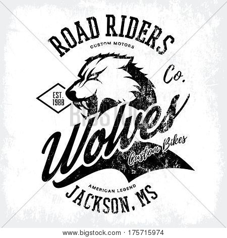 Vintage American furious wolf bikers club tee print vector design isolated on white background.  Mississippi, Jackson street wear t-shirt emblem. Premium quality wild animal superior logo concept illustration.