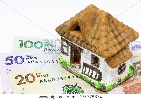 Saving money (pesos) to buy the house of my dreams