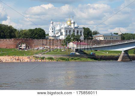 VELIKY NOVGOROD, RUSSIA - JULY 02, 2016: Sunny July day on the Volkhov River. View of the detinets of Veliky Novgorod