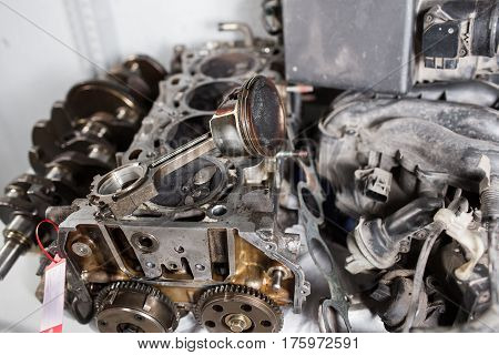 Engine valve car maintenance. A deposit on a piston, a large run a long service life.