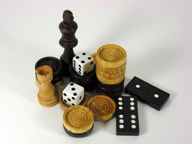 Dominoes Checkers, Dice And  Chess Bits