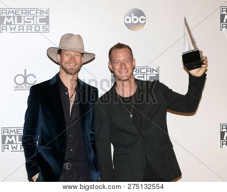 LOS ANGELES - NOV 20:  Tyler Hubbard, Brian Kelley, Florida Georgia Line at the 2016 American Music Awards - Press Room at Microsoft Theater on November 20, 2016 in Los Angeles, CA