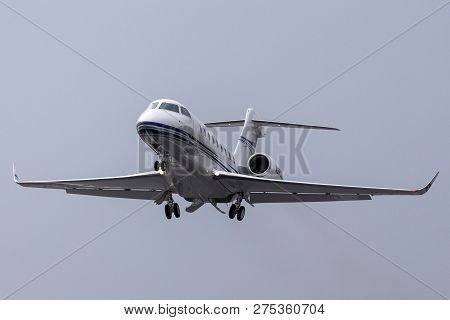 Farnborough, Uk - July 19, 2014: Gulfstream Aerospace G280 Business Jet.
