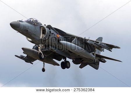 Farnborough, Uk - July 21, 2014: Spanish Navy (armada Espanola) Mcdonnell Douglas Eav-8b Harrier Jum