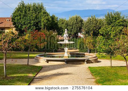 Florence, Italy - Jctober 27, 2018: Fountain Statue View In Boboli Gardens Of Florence, Italy