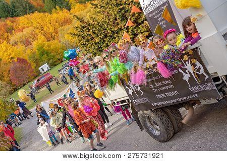 Arrowtown, New Zealand - April 2018: Tourists Flock To Arrowtown For The Akura Arrowtown Autumn Fest
