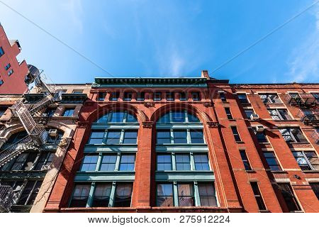 New York City, Usa - June 25, 2018: Low Angle View Of Luxury Apartment Building In Tribeca North Dis